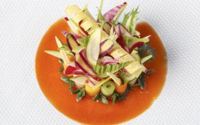 Salade de légumes à la fleur d'huile d'olive et vinaigre à la pulpe de tomate
