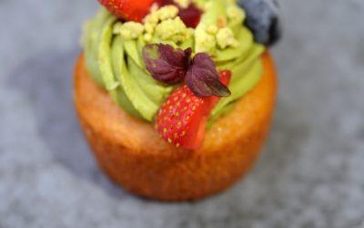 Cupcake au matcha et fruits sans gluten
